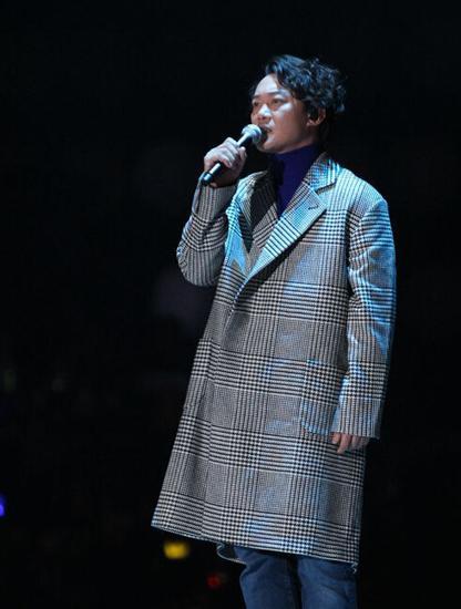 陈奕迅唱歌只为让全智贤看到? 提女神害羞脸红