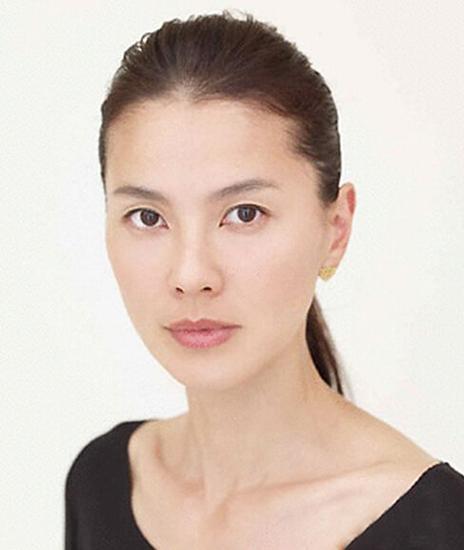 日本女星写情色小说谋出路 送大尺度写真促销量