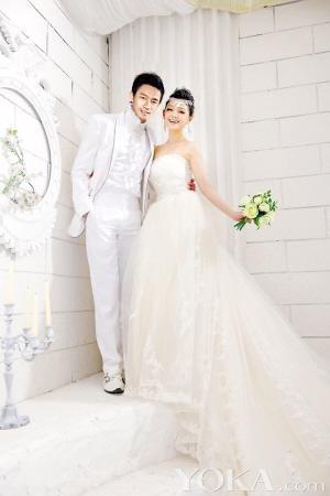 大S婚礼请柬曝光 婚礼预算600万各界名流将出席