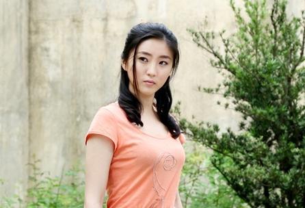 青年演员张颖
