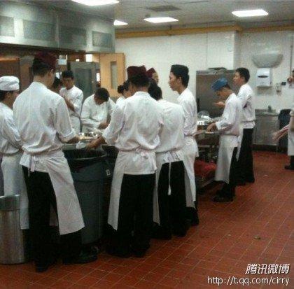 大S婚宴酒店全程准备阶段 厨师开始忙碌做餐