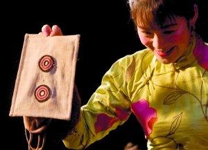 《让子弹飞》麻匪面具盗版横行 正版春节出击