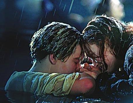 《泰坦尼克号》葬送旷世情缘 影迷:杰克可不死