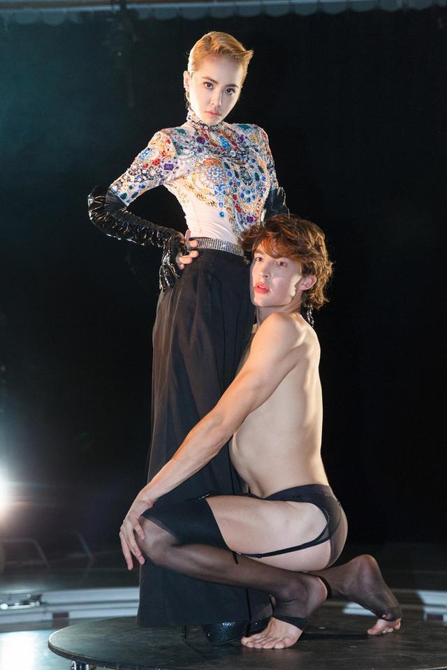 蔡依林纽约拍摄《第二性》MV 与男舞者贴身共舞