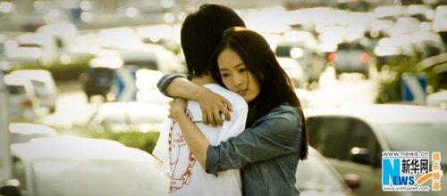 感人肺腑的�_《最长的拥抱》演特殊恋人 童瑶拥抱刘伟感人肺腑