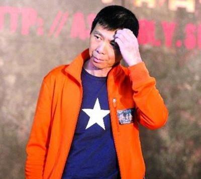 《非诚勿扰2》情节引争议 冯小刚回应并非瞎编