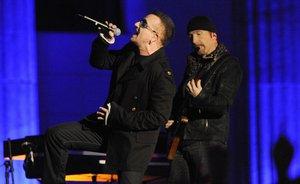 U2现场彩排新歌视频曝光 主唱受伤后首度演出