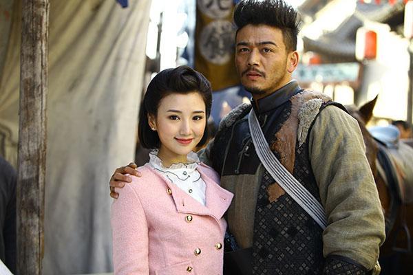 杨烁老婆_毛晓彤饰演的明月是杨烁饰演的余化龙的二老婆,这对萝莉与大叔的感情
