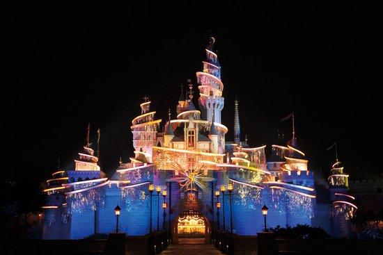 预告:1月21日20:30香港迪士尼乐园5周年庆典