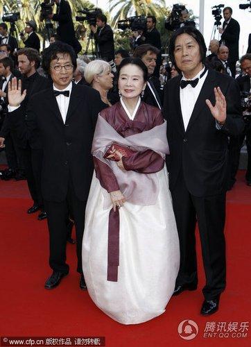 组图:第63届戛纳电影节闭幕 韩片《诗》剧组