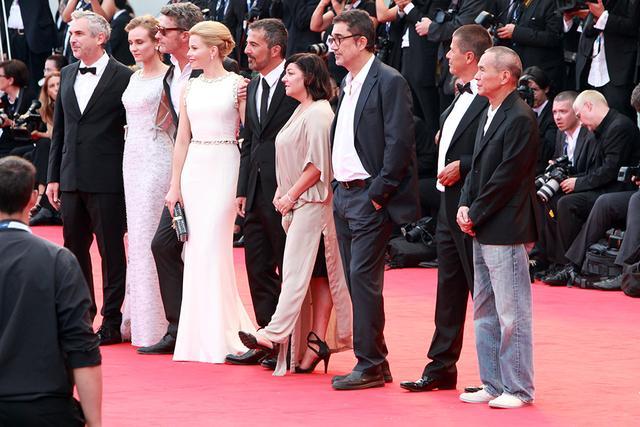 威尼斯电影节揭幕 文艺面纱遮盖不住商业气息