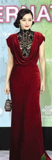第二届北京国际电影节开幕 300明星闪耀红毯