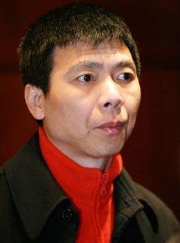 冯小刚:植入广告有底线 姜文不爱钱希望他保持