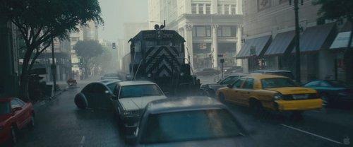 《盗梦空间》花絮之二:火车开进市中心