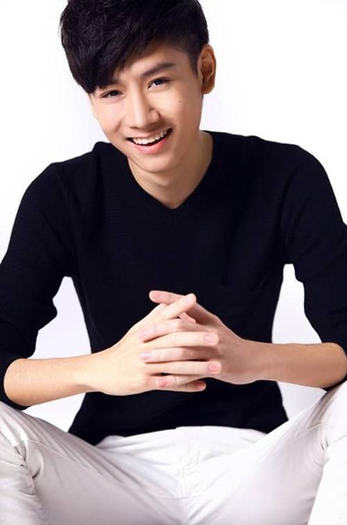 杨���$9i.y�)ycm_杨太郎加盟《整垮前男友》 饰演清新\