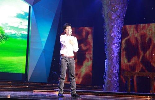 李健国际禁毒日高唱《完美坚持》 向缉毒警致敬