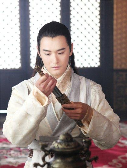 """王雨早在该剧拍摄期间就一直被粉丝强势关注,更被林心如(微博)称赞为""""图片"""