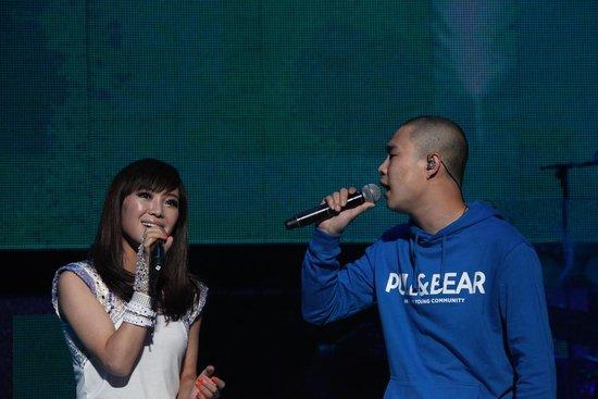 云朵助阵恩师刀郎巡演与小沈阳首度合唱新歌
