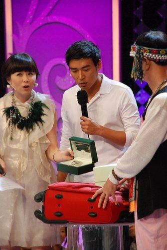 焦恩俊亮相《闪电星感动》 到刘翔家换物做慈善