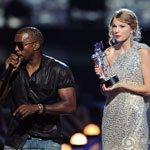 回顾三:Kanye West夺话筒 Taylor尴尬不已
