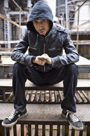 歌手谢天笑涉毒被抓 被称为中国雷鬼音乐之父