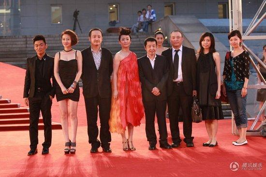 王宝强欣喜新戏受赞誉 称赞电影节很壮观