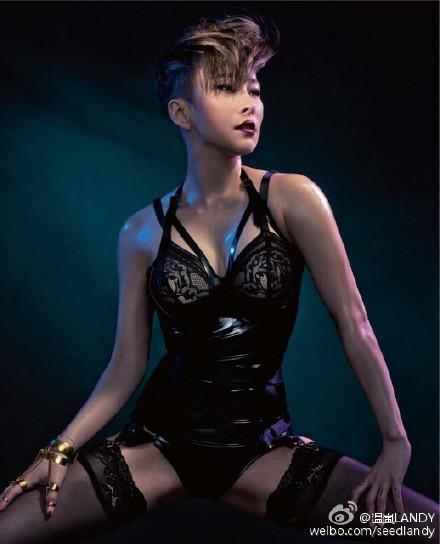 音乐快报:温岚秒变SM风 赛琳娜新歌MV性感碾压