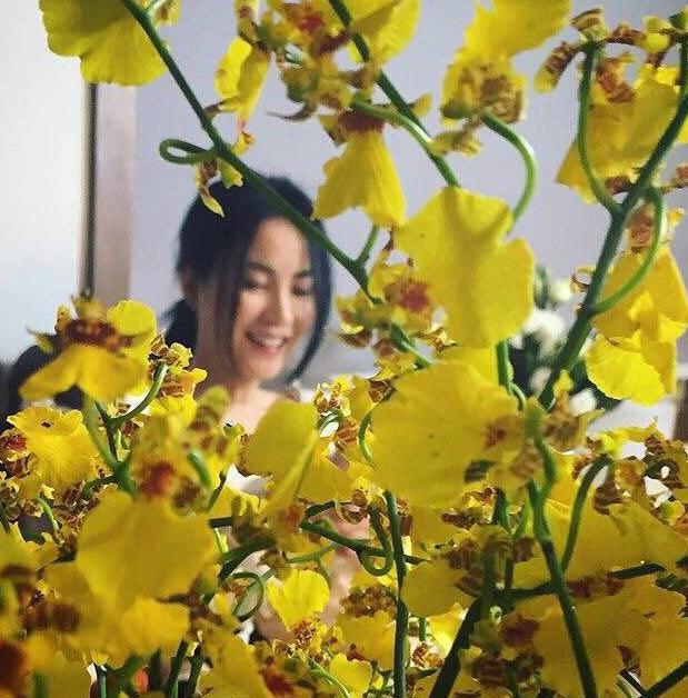 【最新最勁爆!】她在叢中笑!49歲王菲近照曝光仍顯嬌俏(圖)