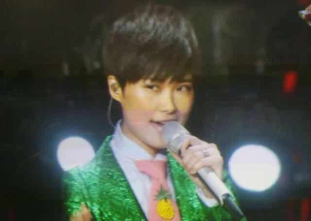 湖南跨年:李宇春首唱二次元神曲《普通DISCO》