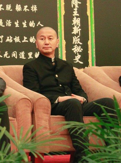 升级版《大清宝典》热拍 吴若甫归隐三年回荧屏
