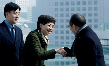 宋丹丹与潘石屹舌战后握手言和:非原则性矛盾