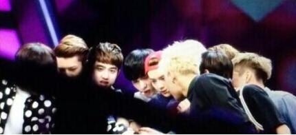 EXO录《大本营》何炅口误谈12人 Tao现场狂飙泪