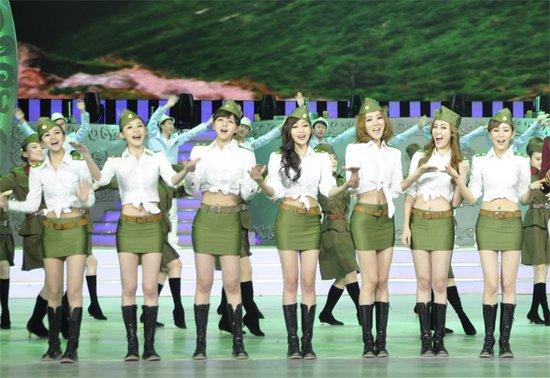 UP Girls特务装亮相安徽春晚 老歌新唱致敬经典