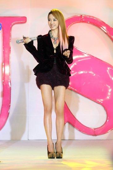 蔡依林新碟《MUSE》亚洲发片 低胸蕾丝大秀性感