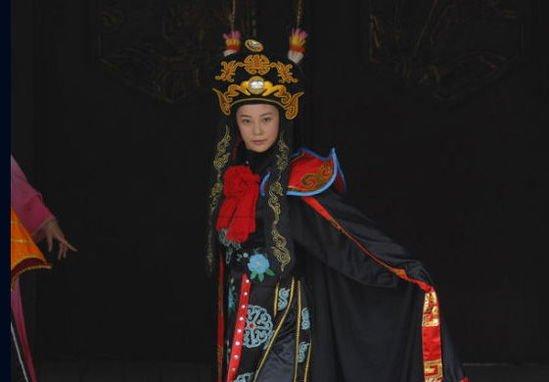 《川西剿匪记》今晚开播 苏岩演示变脸绝活