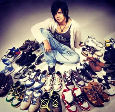 罗志祥家的球鞋堆成山 透露已收集超5000双