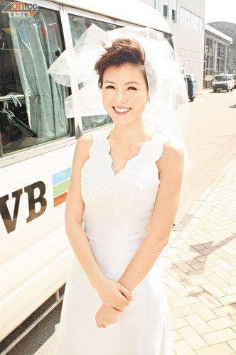 陈茵媺终嫁萧正楠大团圆 穿上婚纱幸福满泻