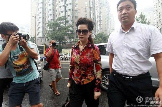 李天一案今日开庭 李某同伴律师承认有强奸情节
