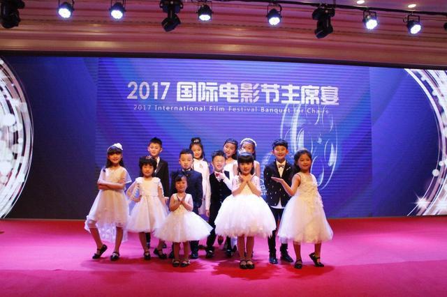 小天使放飞北京国际电影节 携手聋哑学校献爱心