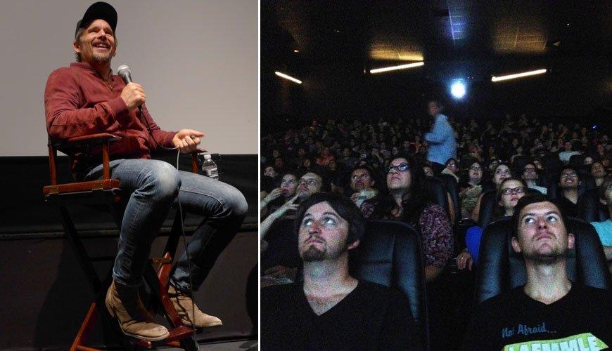 现场伊桑・霍克接受了腾讯娱乐的提问,图右为影迷专心观看影片