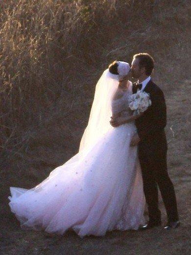 安妮·海瑟薇低调完婚 婚礼细节首度曝光