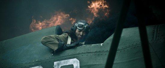 高希希《血战长空》封镜 徐海乔难忘空战遇险
