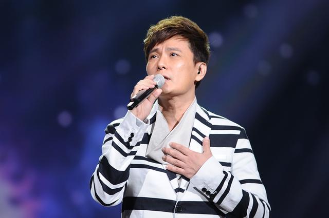 张信哲携新歌亮相榜上榜 《爱你的宿命》夺冠