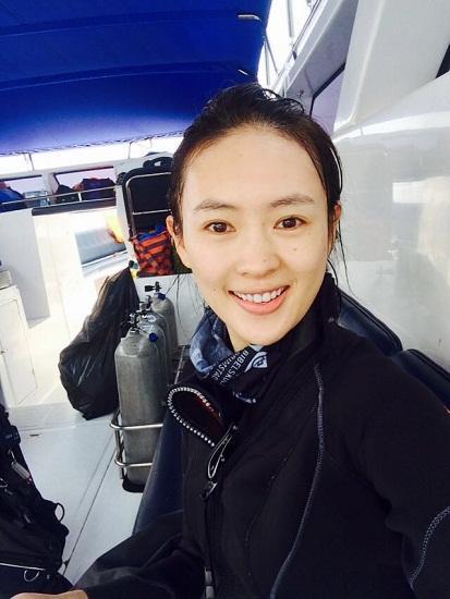 童瑶飞赴泰国练习潜水 疑似备战某卫视真人秀