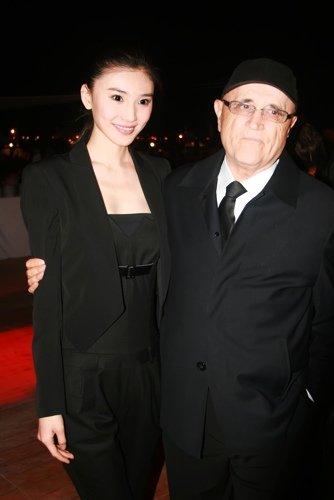 《80'后》刘冬与蒙特利尔电影节主席亲切交谈