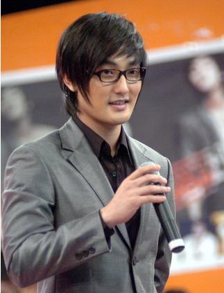 韩星安七炫:不想通过H.O.T的往事赚噱头
