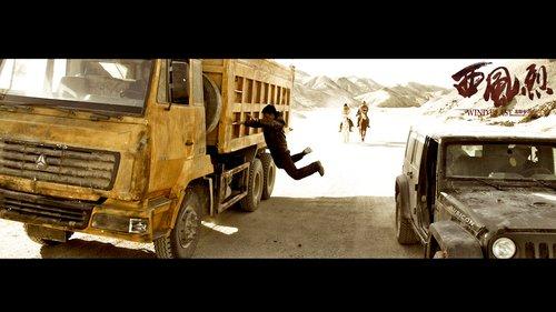 《敢死队》被称好莱坞《西风烈》 两片风格相通