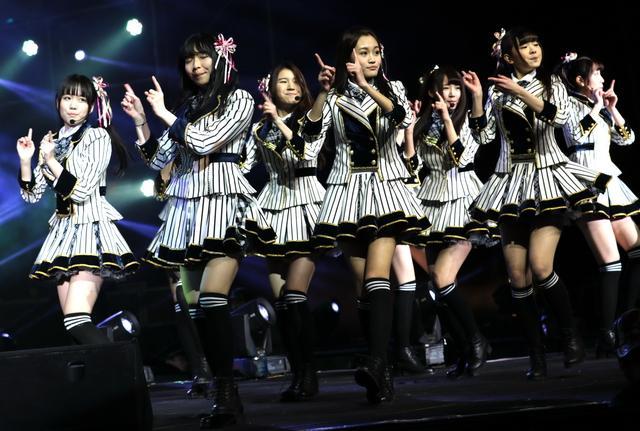 萌妹子女团SNH48腾讯开唱 超150万网友齐刷屏