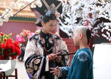 《宫锁沉香》饰皇子生母 黄圣依遇难题取经好友