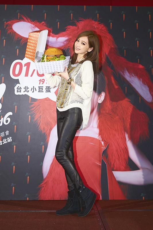 王心凌台北演唱会落幕 气质女神实现完美蜕变